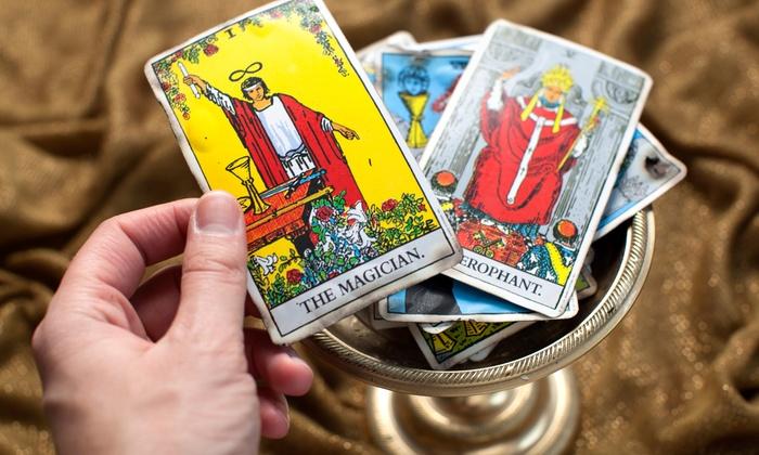 Tout savoir sur les tarots divinatoires